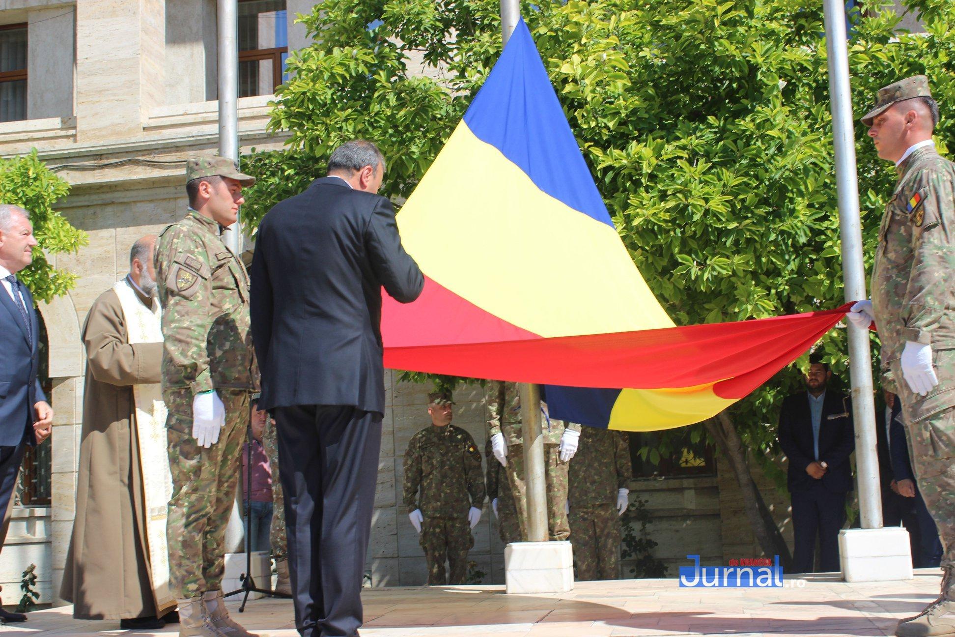 drapel 9 - GALERIE FOTO: Ceremonie la Focșani de Ziua Drapelului