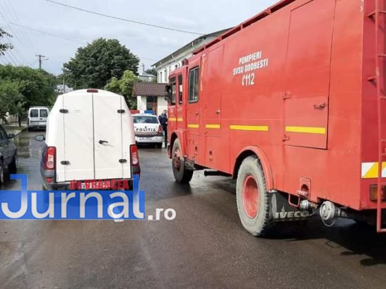 inundatii svsu odobesti9 560x420 - GALERIE FOTO: Intervenții ale voluntarilor pentru evacuarea apei în trei localități