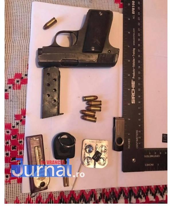 pistol timis - FOTO-VIDEO: Ucigaşul poliţistului din Timiş a fost capturat