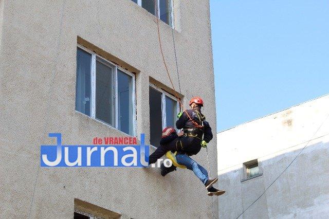 pompierul lunii mai4 - FOTO: Pompierul lunii Mai a acționat pentru evitarea unei explozii devastatoare