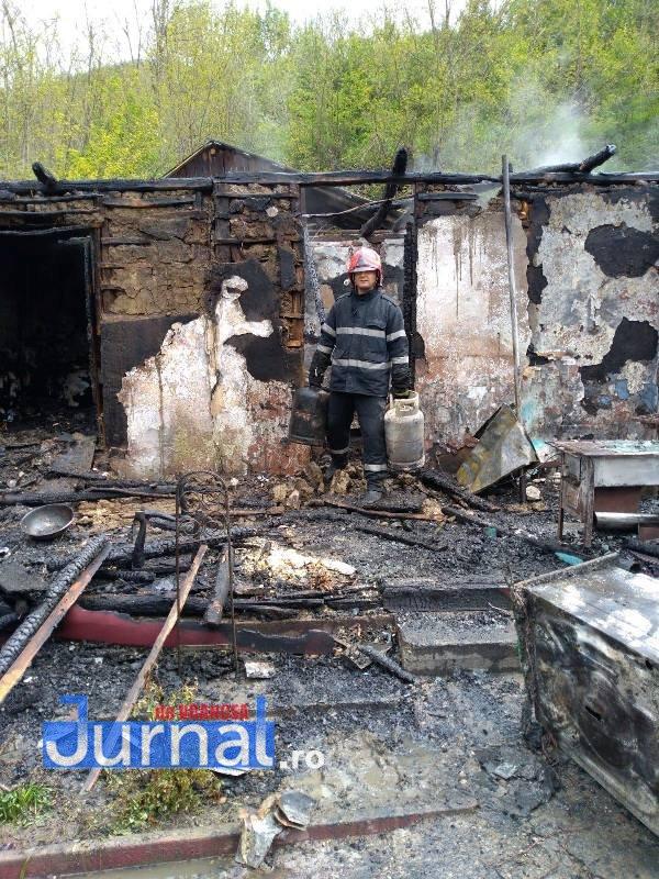 pompierul lunii mai6 - FOTO: Pompierul lunii Mai a acționat pentru evitarea unei explozii devastatoare
