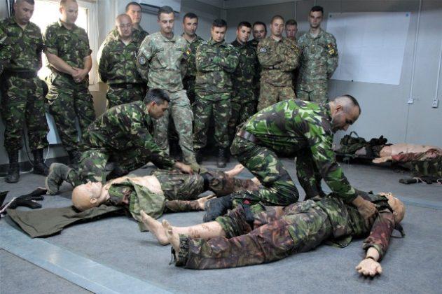 """salvatorii de vieti cincu militari brigada 8 larom6 631x420 - FOTO: """"Salvatorii de vieţi"""" din Cincu"""