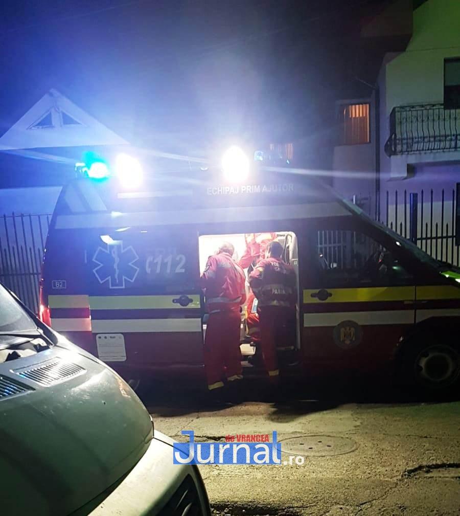 smurd noaptea - ULTIMĂ ORĂ: Incendiu într-un apartament din Focșani
