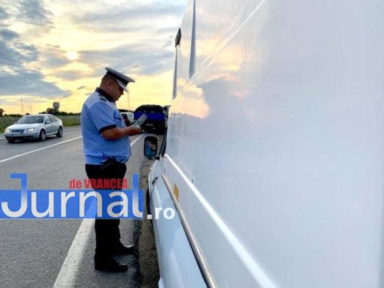 actiune politia rutiera7 560x420 - FOTO-VIDEO: Filtre de poliție la toate intrările în oraș! Ce au căutat oamenii legii de la primele ore