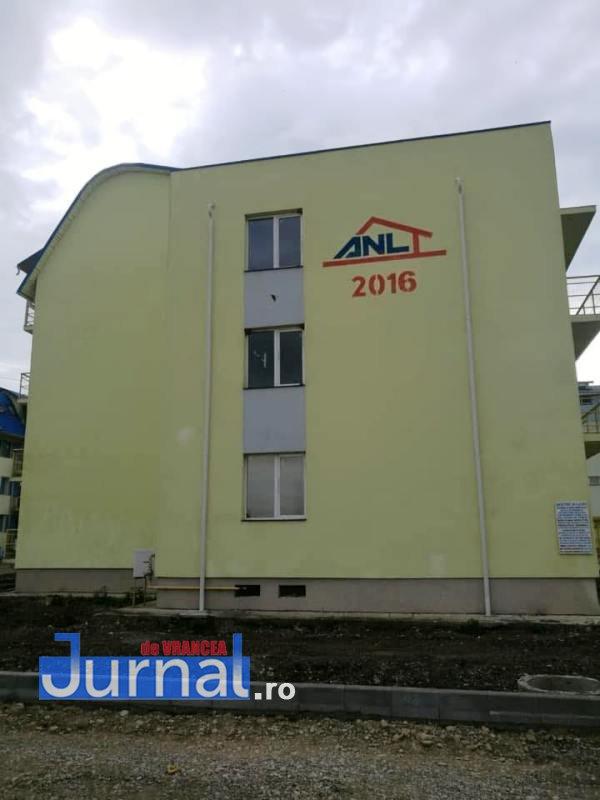 anl cartier democratiei3 - FOTO: ANL, gaură neagră pentru bugetul local. Liberalii cer să vadă devizul de cheltuieli făcute de Primăria Focșani pentru blocurile din Democrației