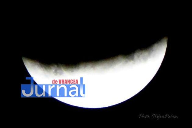 eclipsa de luna6 630x420 - FOTO: Cum s-a văzut eclipsa parțială de Lună în Vrancea