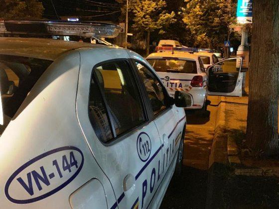 razie noapte politie focsani 10 560x420 - FOTO-VIDEO: Razie de amploare, sâmbătă noapte, printre șoferii din Focșani