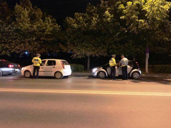 razie noapte politie focsani 2 560x420 - FOTO-VIDEO: Razie de amploare, sâmbătă noapte, printre șoferii din Focșani