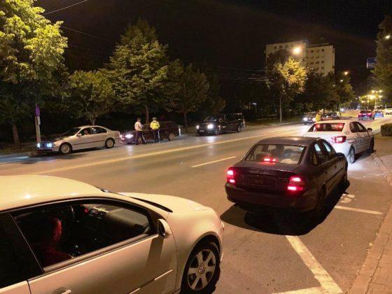 razie noapte politie focsani 6 560x420 - FOTO-VIDEO: Razie de amploare, sâmbătă noapte, printre șoferii din Focșani