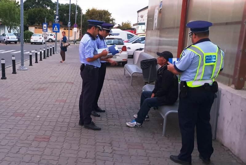 """actiune politie gara focsani 1 - FOTO: """"CLEAN STATIONS"""" - Acțiune a polițiștilor în gările din județ"""