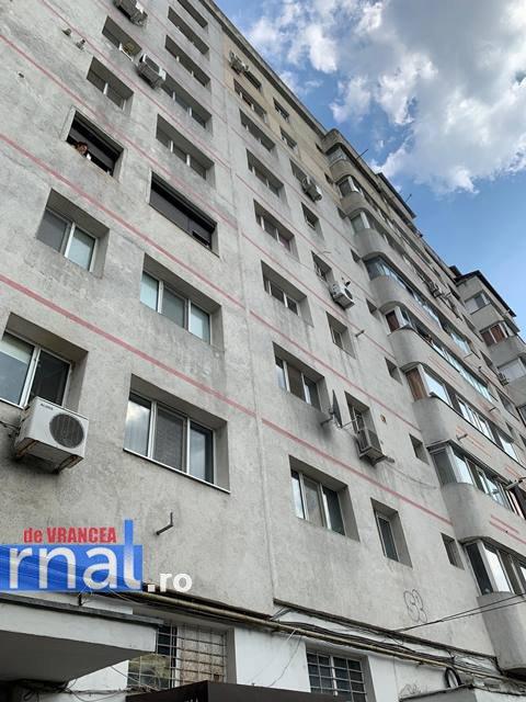 copil cazut de la etaj focsani5 - UPDATE-VIDEO-FOTO-ULTIMĂ ORĂ: Un copil de 2 ani a murit după ce a căzut de la etajul 8 al unui bloc de pe Bulevardul Unirii