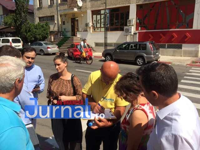 iohannis semnaturi - FOTO: Peste 50.000 de vrânceni au votat pentru susținerea lui Klaus Iohannis