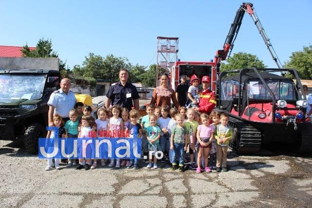 isu vrancea ziua pompierilor7 - FOTO: Pompierii vrânceni au celebrat Ziua Pompierilor din România