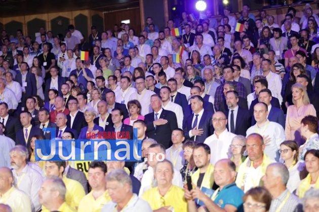 kalus iohannis campanie prezidentiale8 630x420 - FOTO-VIDEO: Klaus Iohannis a început în forță bătălia pentru un nou mandat. A fost întâmpinat cu entuziasm de oameni care s-au înghesuit să dea mâna cu el
