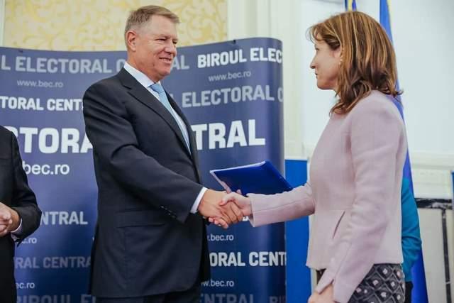 klaus iohannis prezidentiale1 - FOTO: Klaus Iohannis, la depunerea candidaturii: ȘTIU ce trebuie făcut și împreună cu un guvern pro european, în jurul PNL-ului, vom face această muncă pentru români!