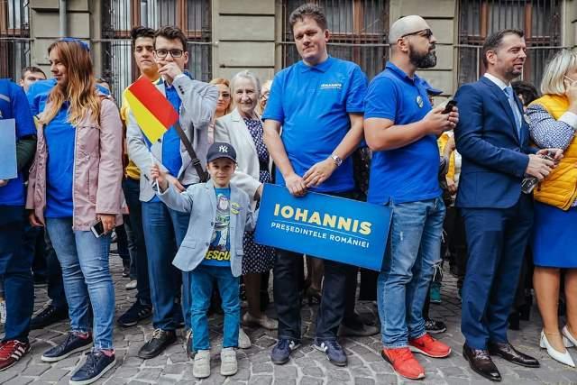 klaus iohannis prezidentiale6 - FOTO: Klaus Iohannis, la depunerea candidaturii: ȘTIU ce trebuie făcut și împreună cu un guvern pro european, în jurul PNL-ului, vom face această muncă pentru români!