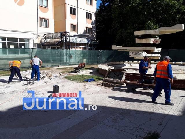 lucrarile refacere apiateta de langa cinematograful balada2 - FOTO: Au început lucrările la piațeta de lângă Balada