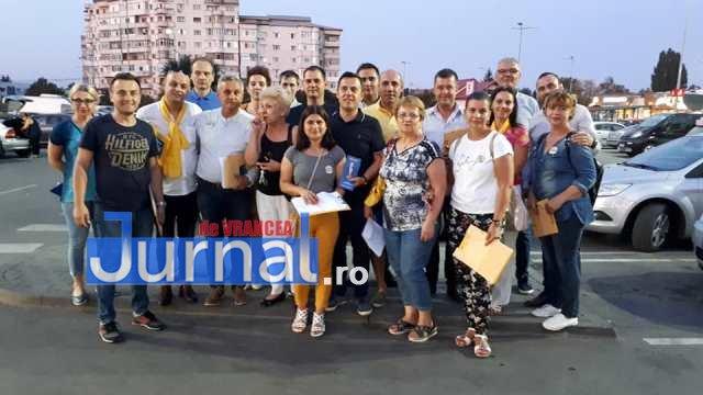 pnl iohannis alegeri prezidentiale1 - GALERIE FOTO: Motivele pentru care românii semnează în număr mare pentru candidatura lui Iohannis