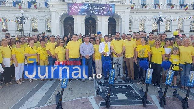 pnl iohannis alegeri prezidentiale5 - GALERIE FOTO: Motivele pentru care românii semnează în număr mare pentru candidatura lui Iohannis