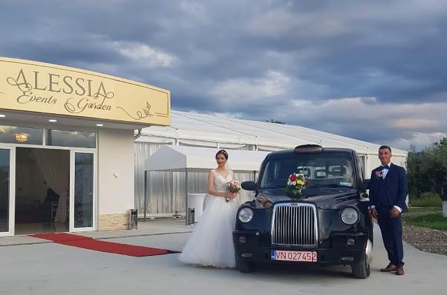 taxi londonez nunta4 - FOTO: Taxi-ul londonez, alternativa pentru limuzina de nuntă