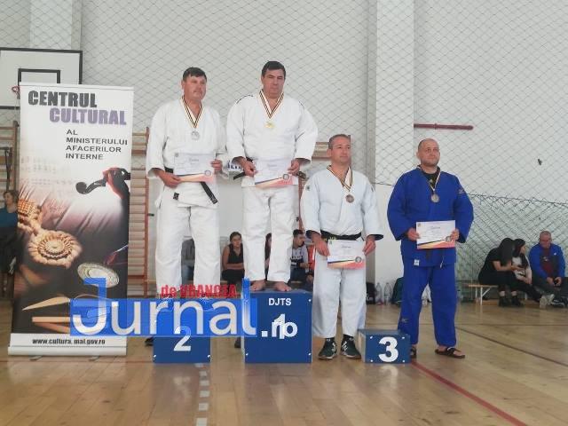 Campionat judo mai 2 - FOTO-VIDEO: Doi luptători SAS Vrancea, medalii de aur la Campionatul Național de Judo al MAI 
