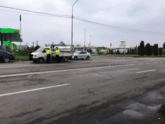 actiune politia vrancea2 560x420 - FOTO: 40 de șoferi au rămas pietoni în urma unei acțiuni de amploare a polițiștilor vrânceni