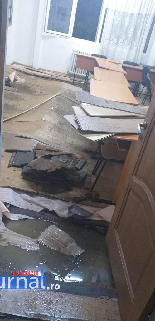 clasa liceul de arte focsani - UPDATE-VIDEO: 3 clase de la Liceul de Arte distruse de caloriferele sparte