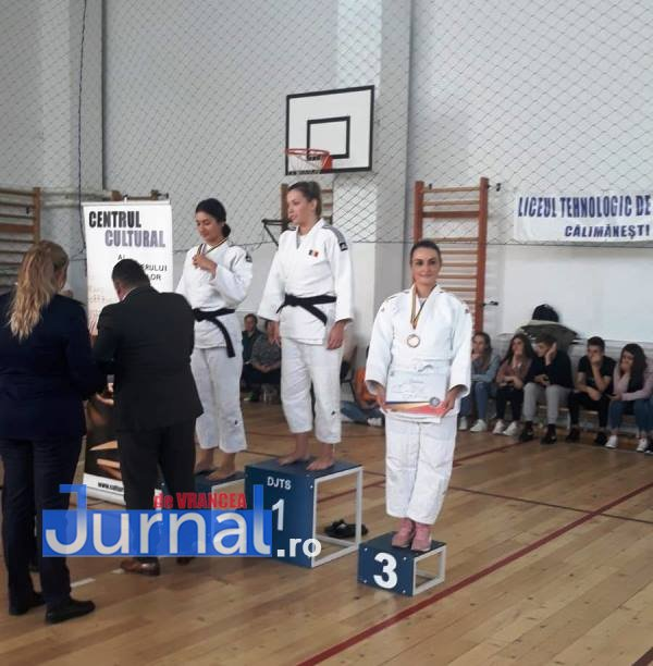 cristina pirvu campionat judo mai 5 - FOTO: Purtătorul de cuvânt al I.S.U. Vrancea pe podium la Campionatul Național de Judo al M.A.I.