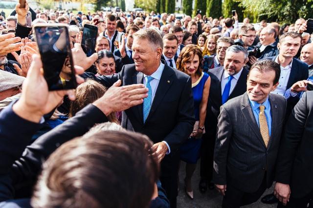klaus iohannis prezidentiale4 - FOTO: Lipsa de infrastructură ucide. Nepăsarea criminală a PSD-iştilor costă vieţi
