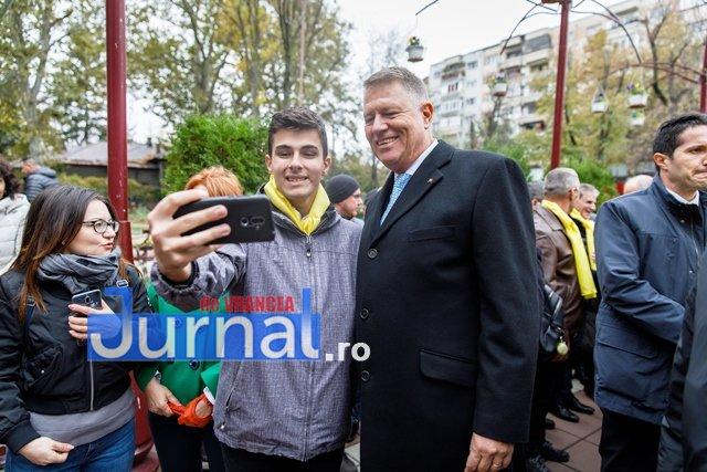 klaus iohannis prezidentiale4 - FOTO: PSD, o piatră de moară legată la gâtul României. Iohannis și PNL vor să pună țara pe picioare