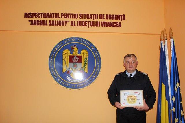 pompierul lunii octombrie2 - FOTO: Cine este pompierul lunii octombrie – Laurențiu Ioniță, unul dintre cei mai vechi pompieri