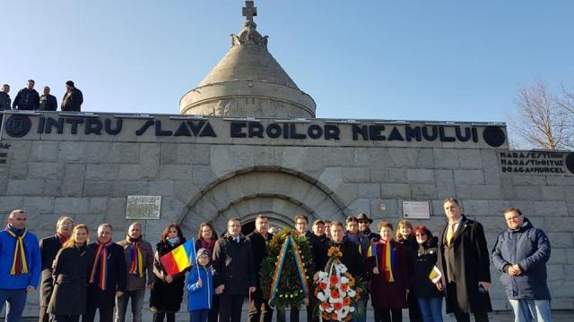 1 decembrie usr plus vrancea2 - FOTO: Echipa USR PLUS Vrancea a aniversat ziua de 1 Decembrie printr-o comemorare emoționantă