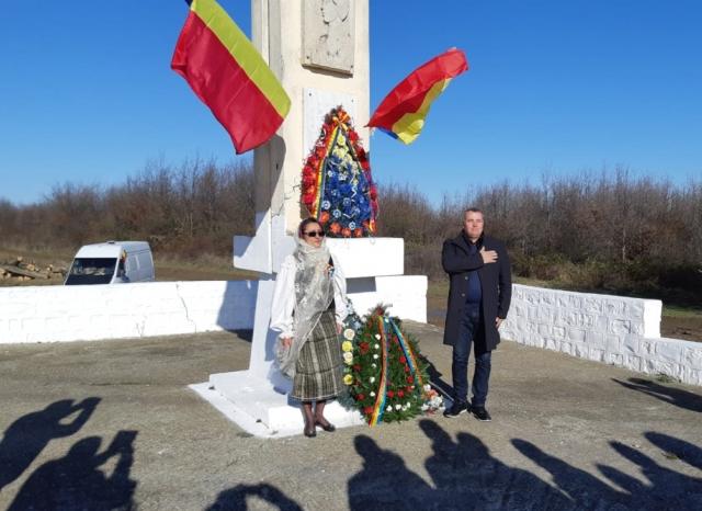 1 decembrie usr plus vrancea5 - FOTO: Echipa USR PLUS Vrancea a aniversat ziua de 1 Decembrie printr-o comemorare emoționantă