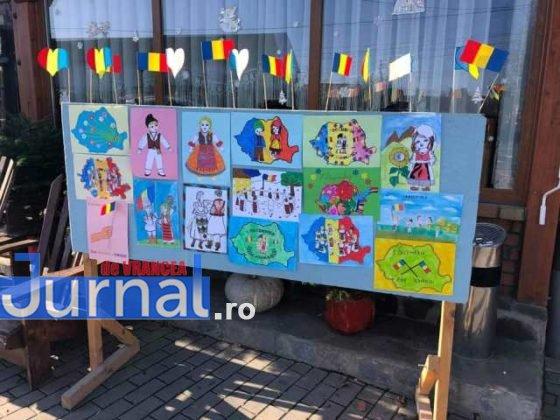 Desene realizate de copii 1 decembrie 560x420 - FOTO: De 1 decembrie o activitate inedită la Pufești!