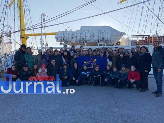 Grup la Bric 560x420 - FOTO: Copiii din Pufești au cucerit Portul Militar Constanța!