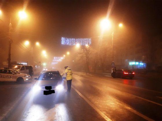 actiune politie siguranta si ordine publica1 560x420 - FOTO: Acțiune de amploare a polițiștilor focșăneni pentru menținerea ordinii și siguranței publice
