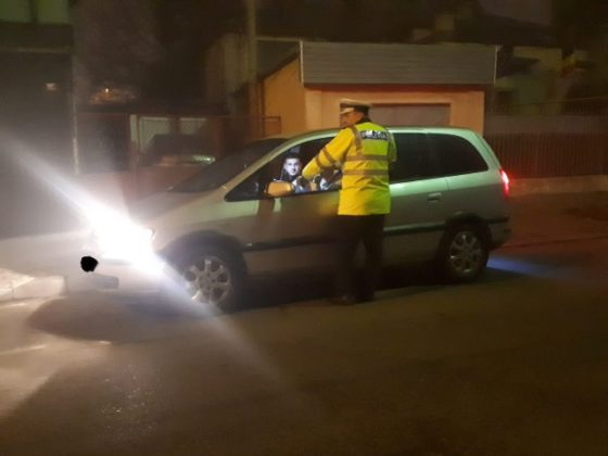 actiune politie siguranta si ordine publica2 560x420 - FOTO: Acțiune de amploare a polițiștilor focșăneni pentru menținerea ordinii și siguranței publice