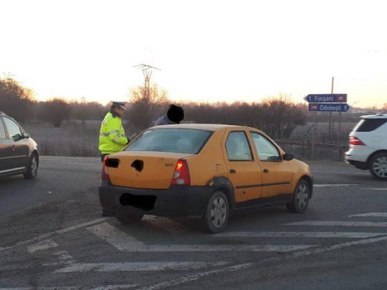 actiune politie siguranta si ordine publica6 560x420 - FOTO: Acțiune de amploare a polițiștilor focșăneni pentru menținerea ordinii și siguranței publice