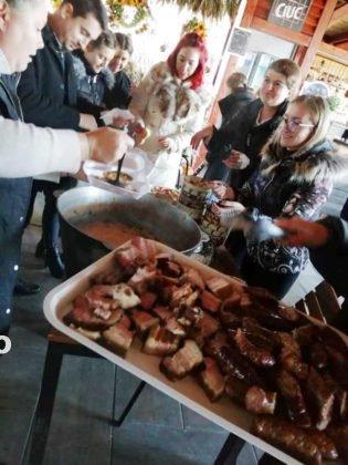 fasole 1 decembrie1 315x420 - FOTO: De 1 decembrie o activitate inedită la Pufești!