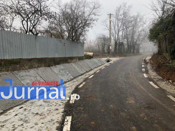 investitii cni drumuri fitionesti2 560x420 - FOTO: Peste 3,7 milioane investiți de CNI în drumurile din comuna Fitionești