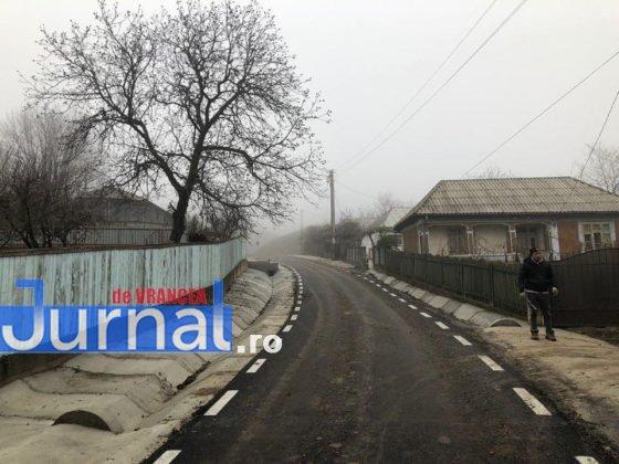 investitii cni drumuri fitionesti4 560x420 - FOTO: Peste 3,7 milioane investiți de CNI în drumurile din comuna Fitionești