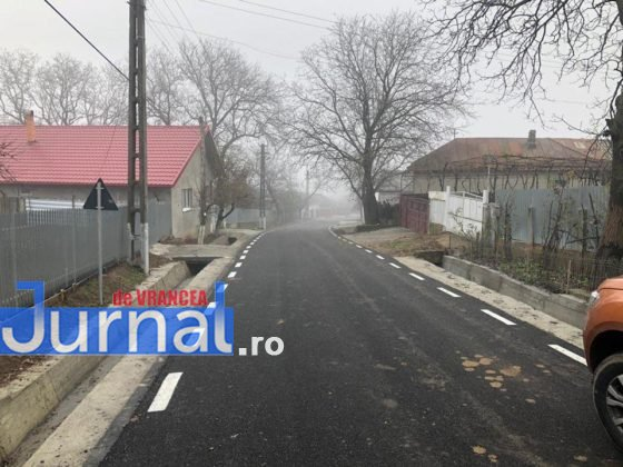 investitii cni drumuri fitionesti5 560x420 - FOTO: Peste 3,7 milioane investiți de CNI în drumurile din comuna Fitionești