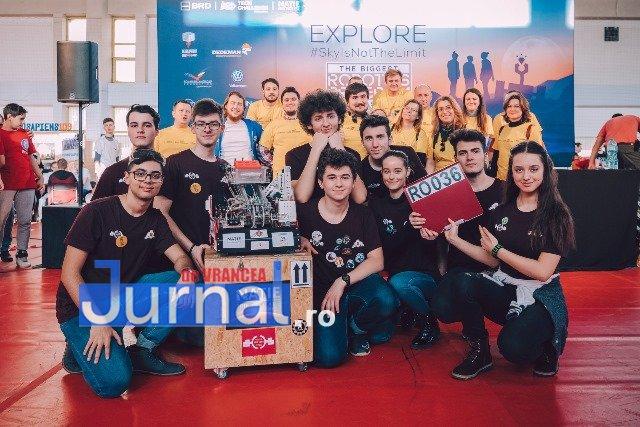 DEMO echipa de robotica 3 - FOTO: Concurs de Robotică la CN Unirea