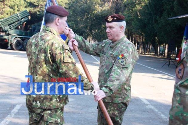 schimbare comanda brigada larom 2 630x420 - FOTO: Schimbare de comandă la Brigada 8 LAROM
