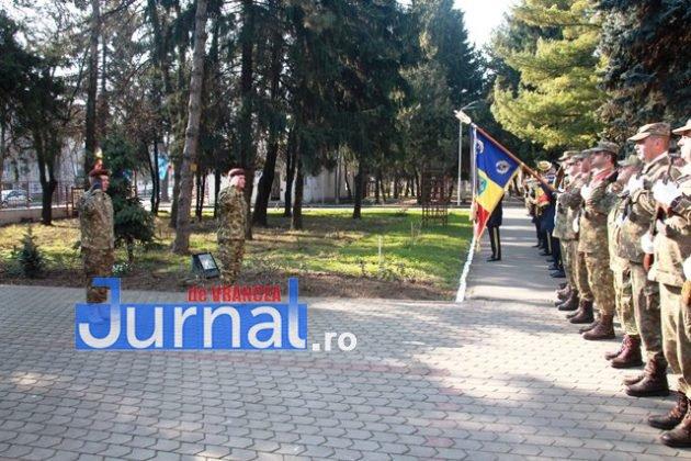 schimbare comanda brigada larom 5 630x420 - FOTO: Schimbare de comandă la Brigada 8 LAROM