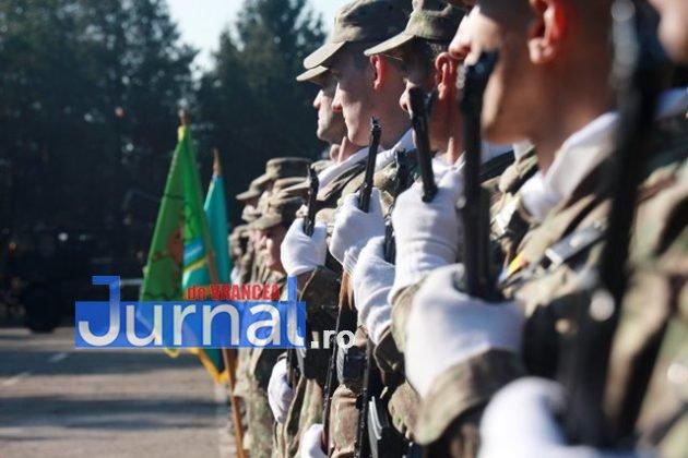 schimbare comanda brigada larom militari 630x420 - FOTO: Schimbare de comandă la Brigada 8 LAROM