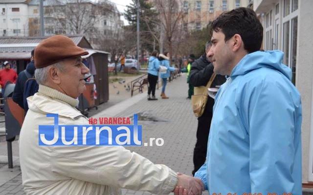 liviu macovei candidat independent primaria focsani echipa 4 - FOTO: Liviu Macovei și echipa sa, o zi în mijlocul focșănenilor
