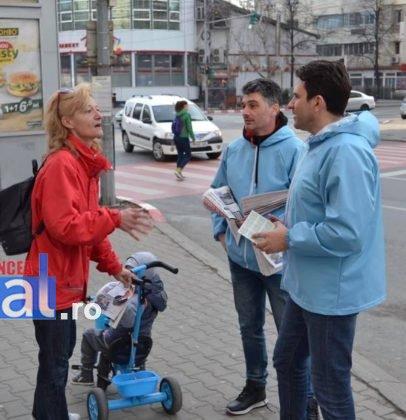 liviu macovei candidat independent primaria focsani echipa 7 406x420 - FOTO: Liviu Macovei și echipa sa, o zi în mijlocul focșănenilor