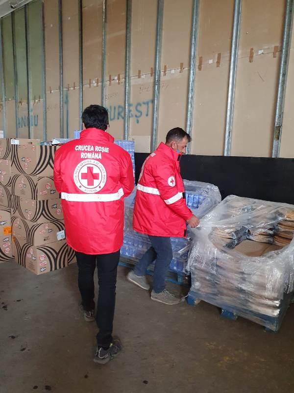 crucea rosie 2 - Fundația vedetei de televiziune Andreea Marin - donație generoasă pentru Crucea Roșie Vrancea!