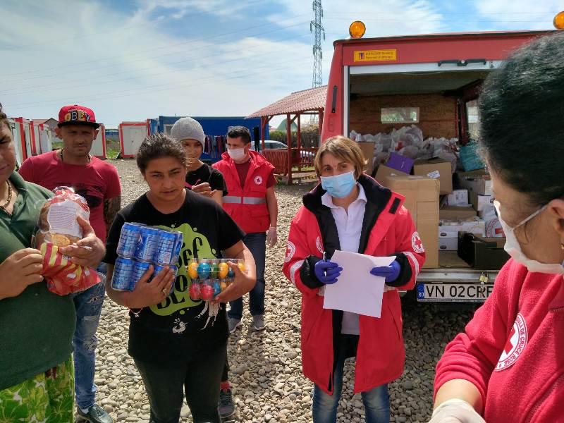 crucea rosie 4 - Fundația vedetei de televiziune Andreea Marin - donație generoasă pentru Crucea Roșie Vrancea!